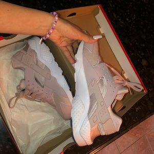 Rose color huarache